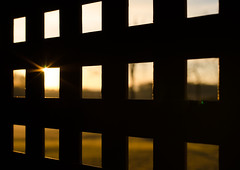 Through the bars (Mac Melon) Tags: amanecer sunrise salidadelsol