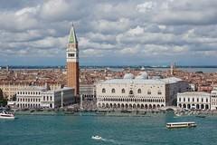 Venezia (Txulalai) Tags: venezia venice venecia italia travel arquitectura monumento iglesia church catedral cathedral sanmarcos agua panoramica sonyilce6000 sonya6000 sony sonyalpha6000