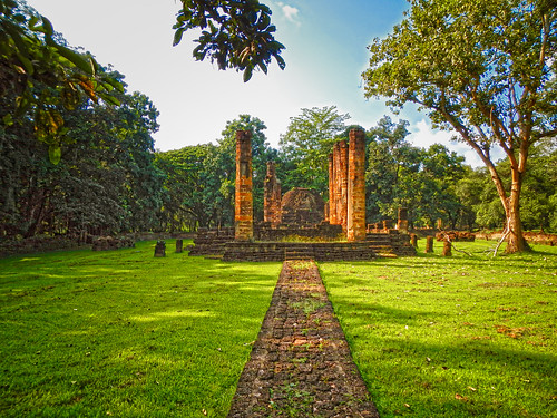 Wat Suan Kaeo Uthayan Yai - วัดสวนแก้วอุทยานใหญ่