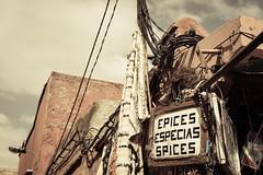 Epices. (Markus Moning) Tags: sign shop canon ma eos mark schild morocco spices ii maroc marrakech 5d marrakesh marokko epices moning marrakesch especias markusmoning