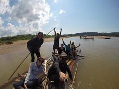 Photo de 14h - Sur notre radeau de fortune avec Marie, Mathilde, Anaïs et Maxime (Bolivie) - 31.07.2014