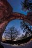 Ruine bei Nacht (Nemesis_86) Tags: sterne nacht nachtaufnahme dunkel dunkelheit tor ruine odenwald rodenstein himmel natur schnee baum bäume fränkischcrumbach kalt