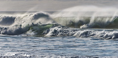 Seashore ((Virginie Le Carré)) Tags: mer sea ocean atlantique atlantic vagues wave gironde france contrejour transparence transparency