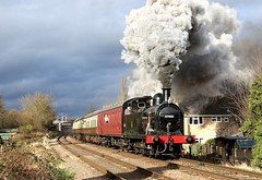 Volcanic departure (Andrew Edkins) Tags: jinty lms fowler 47406 loughborough railwayphotography uksteam greatcentralrailway tankengine local geotagged gcr preservedrailway canon sun leicestershire england clag winter 2017 trees