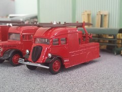 Fire Fordson (quicksilver coaches) Tags: ford fordson 7v heavyunit fireappliance fireengine oxforddiecast 176 oo diecast model