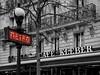 Avenue Kleber..... (Renato Pizzutti) Tags: francia parigi paris avenuekleber metrò cafèkleber coloreselettivo rosso nikon renatopizzutti