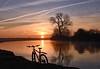 Here Comes The Sun (Free.heel) Tags: riverthames oxford sunrise lynskeyridgeline29er lynskeymtb nikond810 nikon247028g