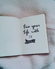 Live your life with a smile #handlettering #brushpen (mirabelljaspers1) Tags: brushpen handlettering