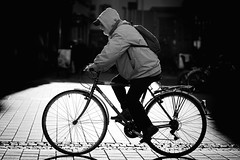 * (Gwenaël Piaser) Tags: strasbourg september 2015 septembre september2015 vélo bicycle bicyclette unlimitedphotos gwenaelpiaser canon eos 6d canoneos eos6d canoneos6d fullframe 24x36 reflex rawtherapee france francia alsace 85mm 85mmf18 canonef85mmf18usm ef85mmf18usm ef85mm usm ef85mmusm canonef85mm118usm prime blackandwhite monochrome wb nb bw noiretblanc street rue bagpack wheels backlight contrejour decathlon
