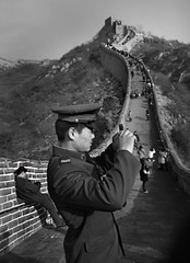 Great Wall Shuiguan (Stefano-Bosso) Tags: china street people bw love monochrome wall canon army mono monocromo blackwhite uniform asia noiretblanc ngc chinese beijing greatwall 2009 bnw biancoenero btw blackwhitephotos streetshoot shuiguan waterpass stefanobosso mocmocromo