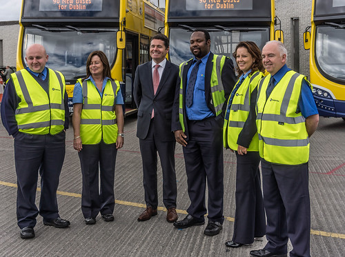 90 NEW BUSES FOR DUBLIN CITY [THE MINISTER AND THE BUS DRIVERS] REF-106979