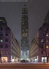 Rockefeller Center (20161217-DSC08793) (Michael.Lee.Pics.NYC) Tags: newyork rockefellercenter fifthavenue christmas holiday tree decorations snow winter night 2016 30rock sony a7rm2 voigtlanderheliar15mmf45