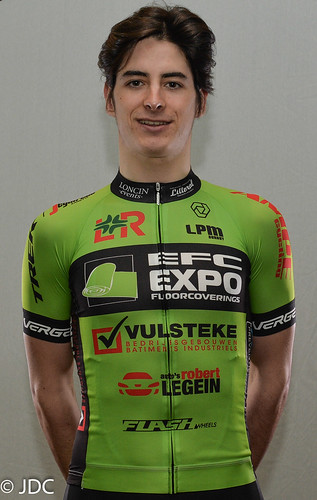EFC-L&R-VULSTEKE U23 Cycling Team (1)