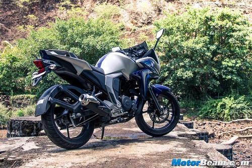 2015-Yamaha-Fazer-V2-6