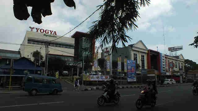 Pusat Perbelanjaan Modern Bogor