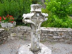Croix de Saint-Eutrope  Plaisance, Aveyron (VP-12) Tags: monument mh croix plaisance historique aveyron class sainteutrope