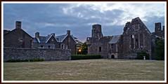 the last sun rays (tor-falke) Tags: old sunset sun castle clouds scotland flickr sundown sony scottish wolken dslr nuages oldtown oldcity schottland schottisch scotlandtour schottlandtour sonyalpha schlosruine scotlandtours alpha58 torfalke flickrtorfalke schottlandreise2015