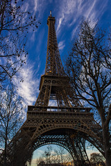 Torre Eiffel (Thomas De Faveri) Tags: tour eiffel torre parigi paris france francia tree canon eos color colorful sky cielo colori cluds nuvole