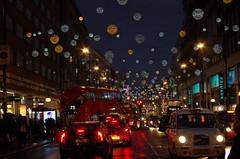 Oxford street - Londres (FGuillou) Tags: londres 伦敦 london oxford street décoration de noël merry christmas night light magic magie bus rouge