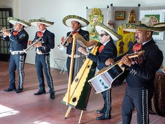 PB120129 (bvriesem) Tags: heardmuseum native indian museum phoenix arizona mercadodelasartes mariachis