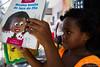 Elisangela Leite_ Redes da Mare (REDES DA MARÉ) Tags: americalatina brasil complexodamare elisângelaleite favela feirapreta mare novaholanda ong redesdamare riodejaneiro brincadeira criança leitura roda