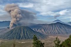 IMG_4027 (JoStof) Tags: indonesia java clouds bromo volcano eruption ash smoke seaofsand semeru crater tengger caldera batok jawatimur indonesië idn