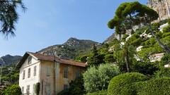 Eze-sûr-Mér, Côte d' Azur 2016 (marionkaminski) Tags: berg haus gebäude frankreich france eze lumixfz1000 seealpen panasonic lumix fz1000 maison casa montagne montana mountain landschaft landscape