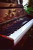 Piano (Tuqaki) Tags: piano silance calmness relaxation relax listen pure light white black shadow