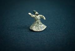 Dancing Derwish (mripp) Tags: magic magisch zaubern derwisch dschinni figure leica m summicron 50mm