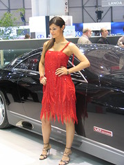 Maybach babe 1 (Autoblog.nl) Tags: car geneva 2006 babe maybach exelero