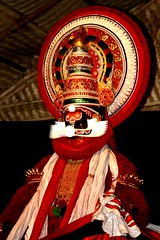Kerala Kathakali in Fort Cochin (j0rune) Tags: india art theatre performance makeup kerala hindu hinduism kathakali fortcochin thebiggestgroup