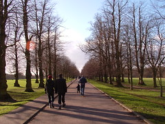 Long road, Trent Park Feb 2004 (ju5ti) Tags: park uk justin winter people copyright london 2004 geotagged c february barnet s3000 trentpark goring goting 3mp geo:lon=01405 copyrightedwork justingoring geo:lat=516615