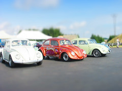 tiny gonzo and his muppet racer (Andreas Reinhold) Tags: show blue blur cars scale bug lens miniature beetle fake shift tent racing tiny muppet tilt callook dragracing gonzo pavillon racer bitburg muppetshow fusca aircooled type1 tiltshift typ1 dasdragday