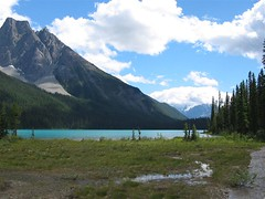 Emerald Lake (Just Peachy!) Tags: britishcolumbia emeraldlake canadianrockies yohonationalpark rockiesroadtrip mountburgess