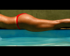 (Marcao) Tags: water pool topf50 legs sister  bestviewedlarge piscina swimmingpool bikini pernas vero swimsuit topv100 topv200 biquini irm topv500 topf30 topf40 topv1000 allsizes topv300 topv400 60f 2000v 1500v 1000v50f noiva tem10anosmaisqeu womanlegs sensualidade24