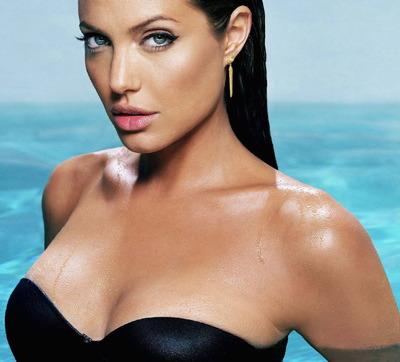 Angelina jolie sexy tomb raider