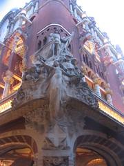 Palau De La Musica (A.Currell) Tags: barcelona art de liberty la spain espana artnouveau musica nouveau stile palau jugendstil modernista palaudelamusica sezessionstil secessionism