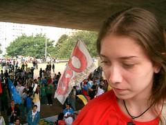Utopia (Apenas Imagens) Tags: brazil girl bandeira brasil youth tristeza sad flag protest brazilian garota happening manifestation juventude brasileiros reflexive manifestação protesto pensativa jovens socialista