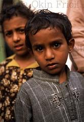 Lahore-02 (Nicola Okin Frioli) Tags: old city pakistan boy portrait face wow photography photo asia foto photographer child nicola bambini photojournalism free lance fotografia ritratto lahore photojournalist theface okin frioli okinreport wwwokinreportnet nicolaokinfrioli fotogiornalista nicolafrioli