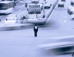 Traffic police (Alex Vinter (aka Wam Mosely)) Tags: china road blur lafotodelasemana traffic accepted1of100 fuzhou kiss2 lfsmejor kiss3 lmff lmff1 lmff2 lmff3 lmff4 kiss1 kiss4 kiss5 lfstrafico abigfave lifetravel