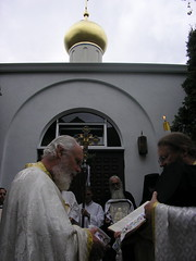 bright vestments (Olympiada) Tags: priest procession pastor hieromonk dioceseofthewest orthodoxchurchinamerica brightmonday stnicholasorthodoxchurch resurrectiongospels