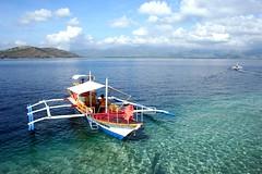 fun in the sea (Farl) Tags: ocean travel blue sea water colors fun boats boat paradise philippines sandbar clean adventure clear waters bais negros bluelist baisbay manjuyod