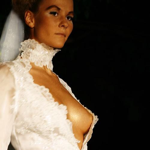 Bilderesultat for wtf wedding tits