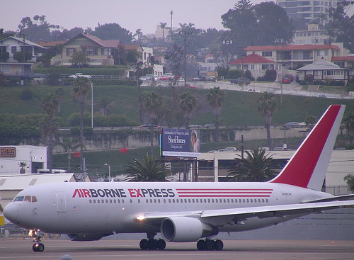 Airborne Express 767 by So Cal Metro.