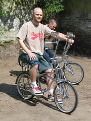 Ego (Hypnotheis) Tags: bike bicycle denmark gang may 2006 chrome converse manual rhus danmark botanicalgarden lowrider ezekiel aarhus whitewall mnl lowriderbicycle lowriderbike chromegalore proteam