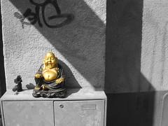Big (Marcus Hansson) Tags: urban statue wall delete10 delete9 göteborg delete5 graffiti delete2 big sweden delete6 delete7 buddha fat tag gothenburg delete8 delete3 2006 delete4 rest sverige resting budha delete1 scandinavia sveagatan