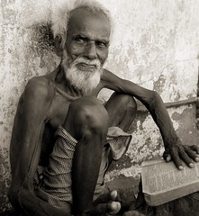"""Faith"" (lecercle) Tags: life people india men reading oldman bombay elders mumbai quran scoopt dharavi justpeople"