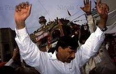 Pakpattan-13 (Nicola Okin Frioli) Tags: pakistan portrait photography photo foto photographer photojournalism punjab pilgrimage fotografo photojournalist okin okinreport wwwokinreportnet nicolaokinfrioli fotogiornalista pakpattan babafareedganj nicolafrioli