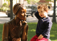 A Conversation with Phillis Wheatley (Sharon Mollerus) Tags: park sculpture history statue boston america child poet africanamerican dm slave ребенок 50v5f красавица поэзия 123kids philliswheatley revolutionaryperiod статуя поэт сша 20060520phylliswheatleyimg4689 бостон историясша поэтесса негритянка филлисуитли афроамериканцы рабство чернокожая