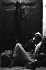 Man chewing qat - Yemen (Eric Lafforgue) Tags: leica kat republic nb arabic arabia yemen arabian sanaa ramadan yemeni yaman arabie jemen lafforgue arabiafelix  arabieheureuse  arabianpeninsula ericlafforgue iemen lafforguemaccom mytripsmypics imen imen yemni    jemenas    wwwericlafforguecom  alyaman ericlafforguecomericlafforgue contactlafforguemaccom yemenpicture yemenpictures